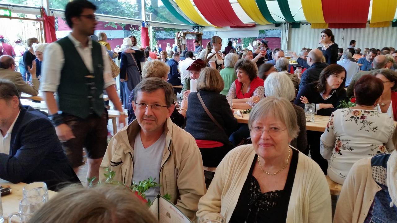 Patrick et Ina sous la tente Zum Spielmann