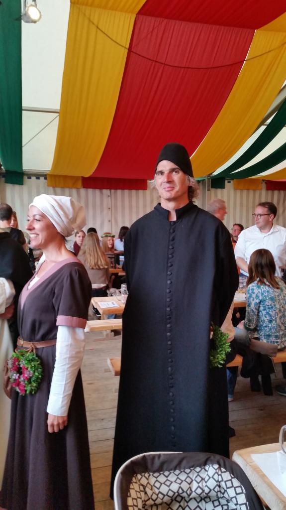 Religieux et prince de l'église sous la tente Zum Spielmann