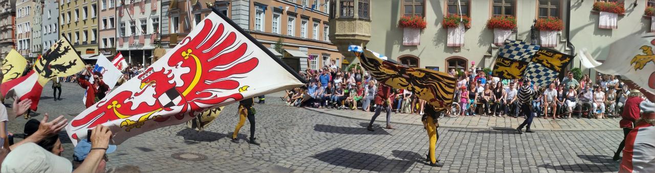 Fahnenschwinger les drapeaux en mouvement