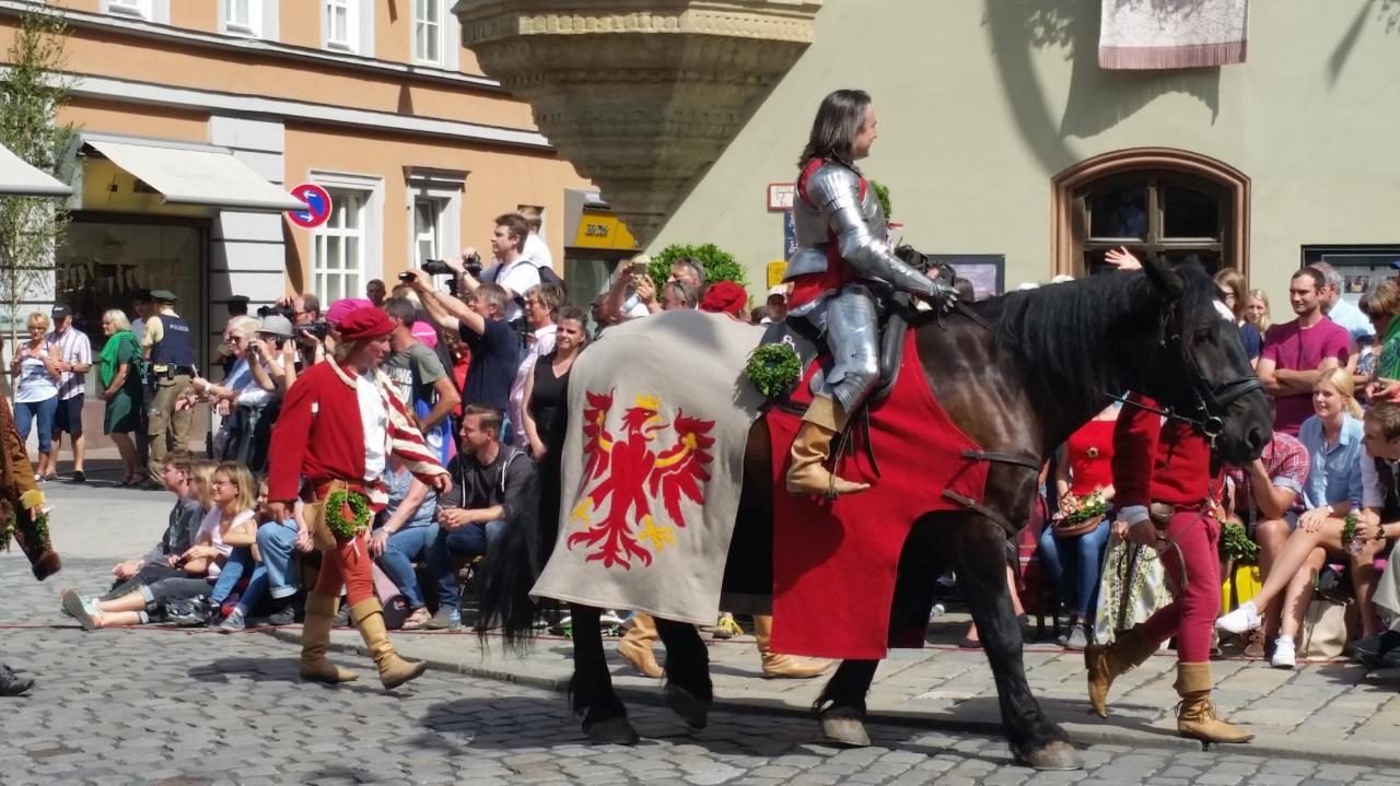 Edle Herren im Harnisch Nobles prêts pour le tournoi