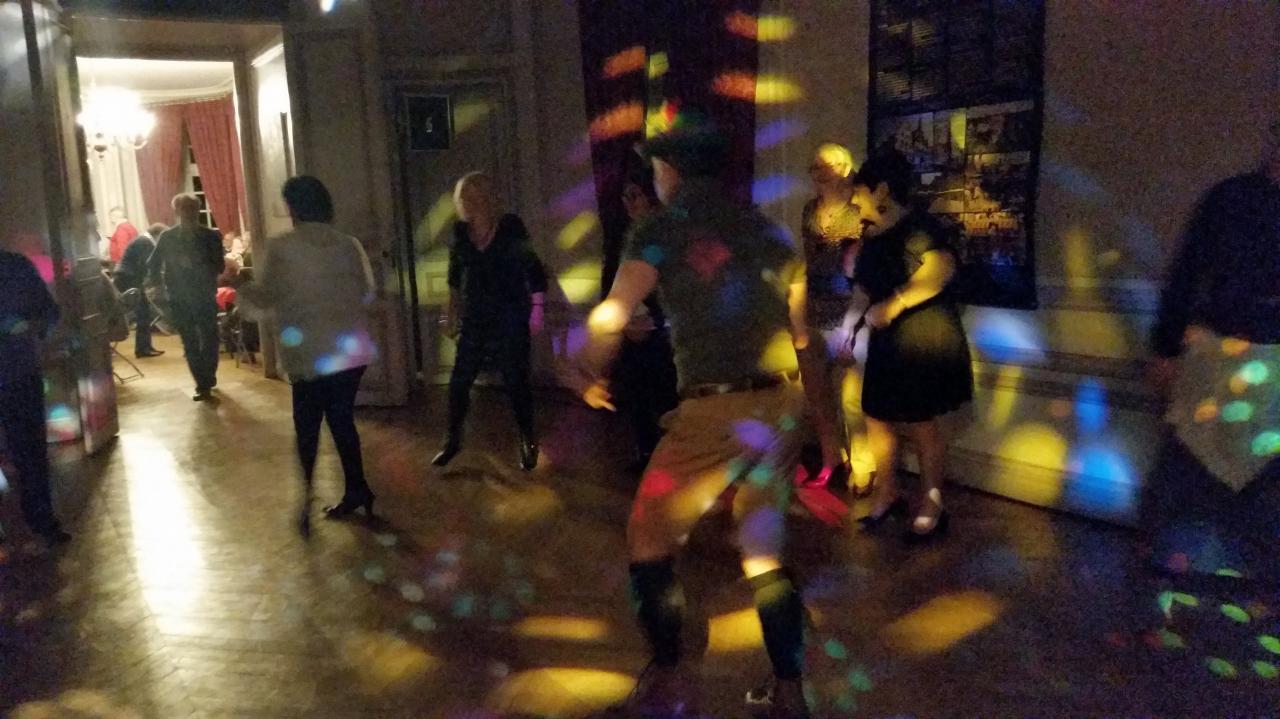 Lumières et danseurs