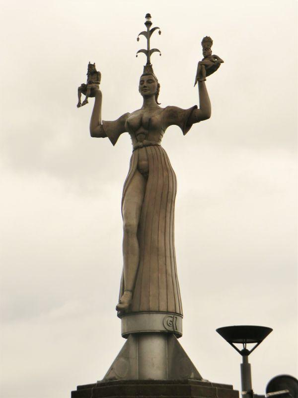 La statue d'Impéria