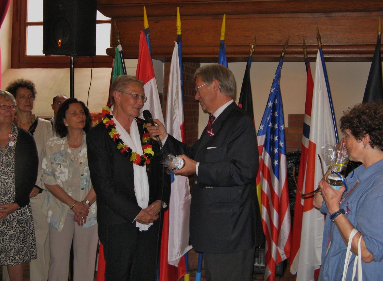 Hilburg représente l'association Compiègne Landshut et Bremen