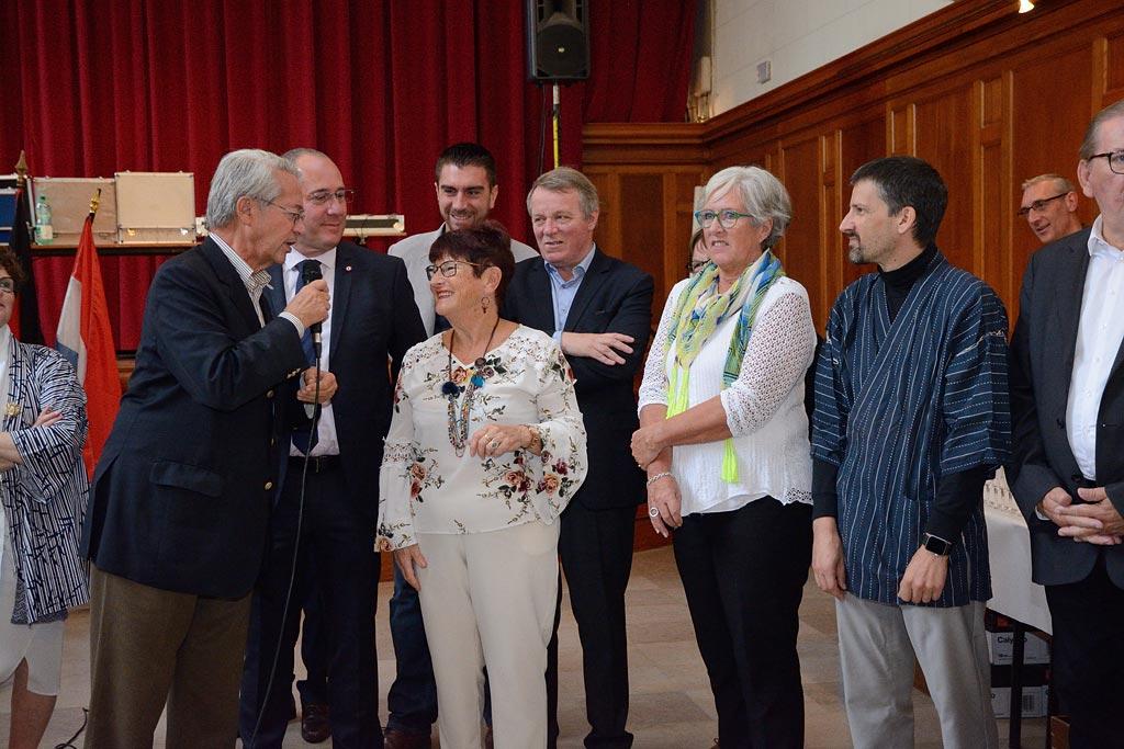 La présidente Michèle et M le Maire