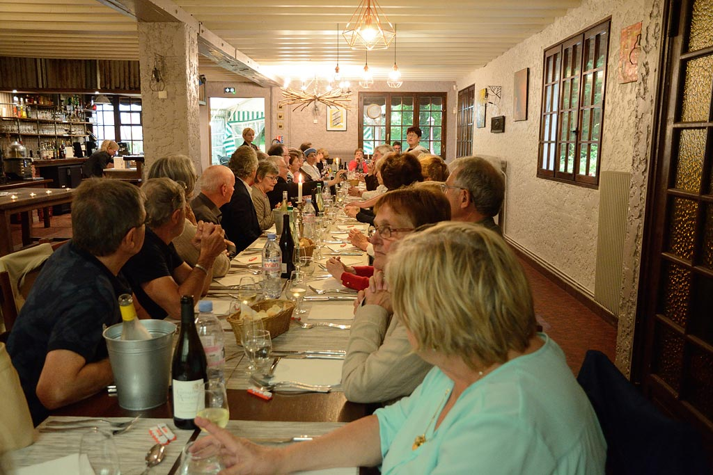 Soirée d'été au restaurant La ferme du Carandeau