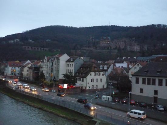 Le chateau vu du vieux pont Alte Brücke