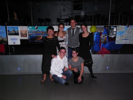 Les cinq étudiants français à Lviv Ukraine, lors de la soirée franco allemande.