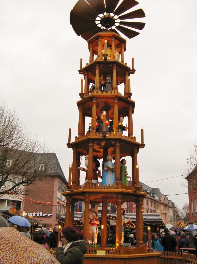 Pyramide du Marché de Noël