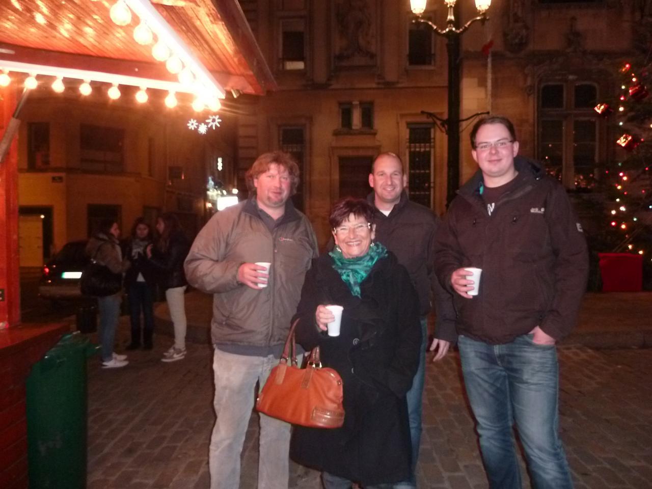 Michèle et les Landshutois au amché de Noël