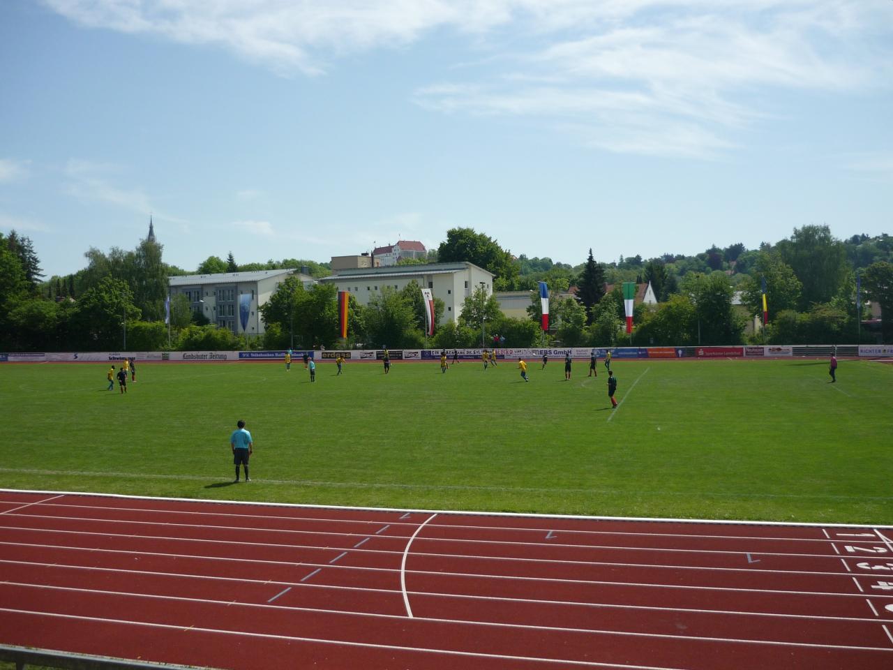 Stade et Burg Trausnitz en arrière plan