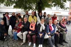 Le groupe devant le musée zeppelin
